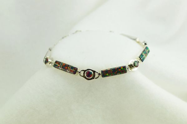 "Sterling silver black opal inlay 8"" link bracelet. B066"