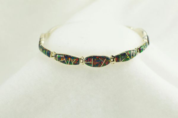 "Sterling silver black opal inlay 8"" link bracelet. B067"