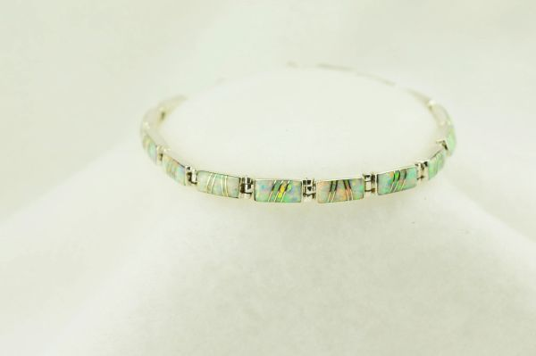 "Sterling silver white opal inlay link 7.5"" bracelet. B085"