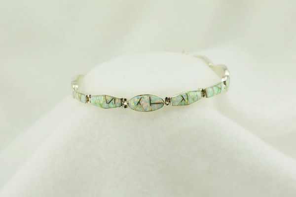 "Sterling silver white opal inlay link 8"" bracelet. B091"