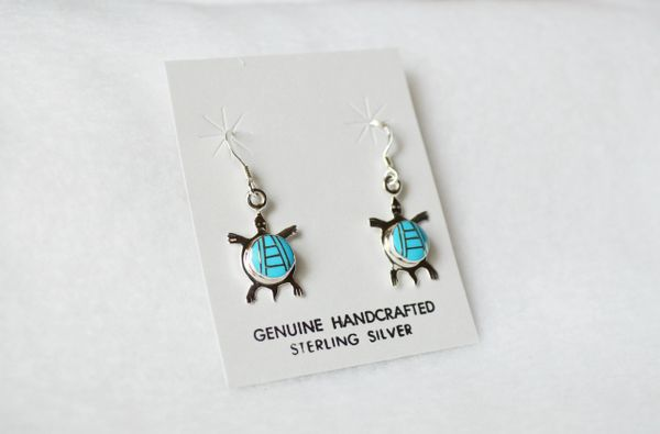 Sterling silver turquoise inlay turtle dangle earrings. (E050)