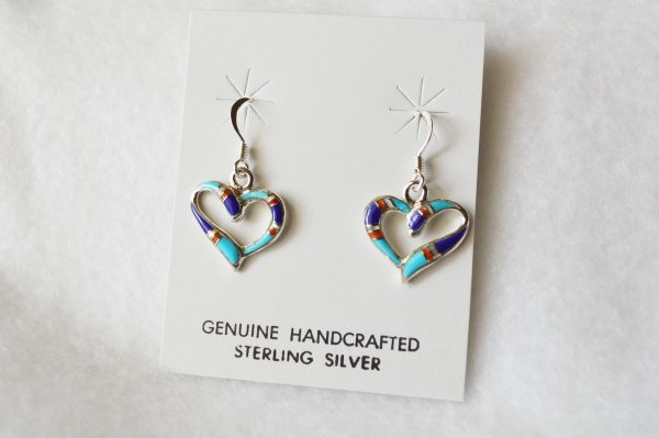 Sterling silver inlay heart dangle earrings. E095