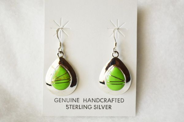 Sterling silver gaspeite inlay medium teardrop dangle earrings. E212