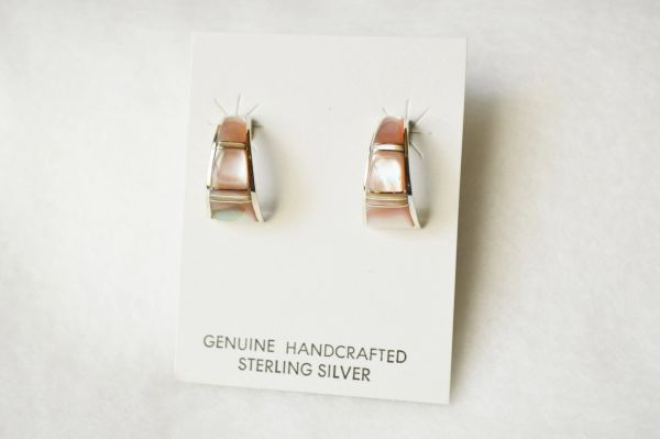 Sterling silver pink clam shell inlay medium/wider hoop post earrings. E305