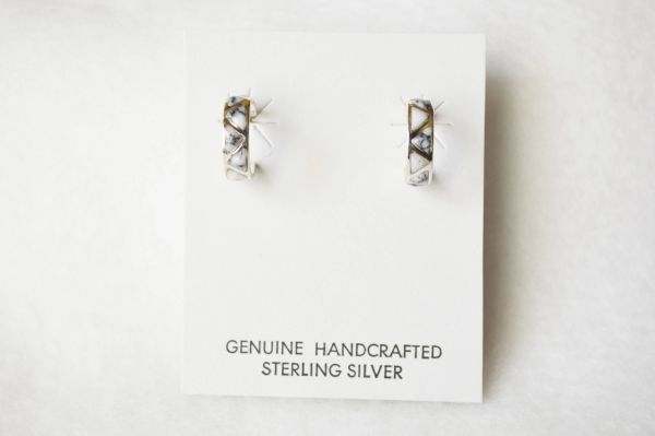 Sterling silver howlite inlay small hoop post earrings. E322