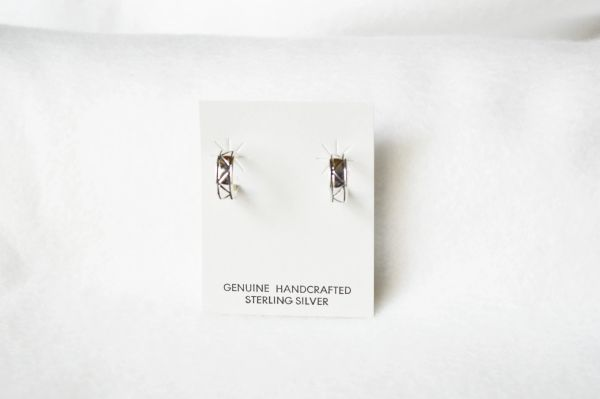 Sterling silver small hoop post earrings. E344