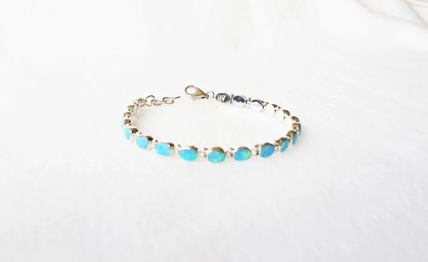 "Sterling silver blue opal 7.25"" mini oval link bracelet. B006"