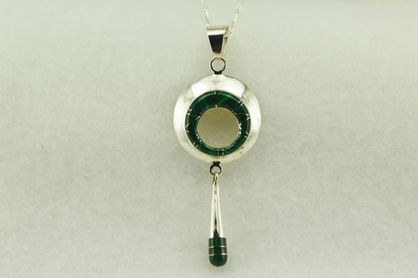 "Sterling silver malachite oval and drop down pendant with sterling silver 18"" figaro chain. N187"