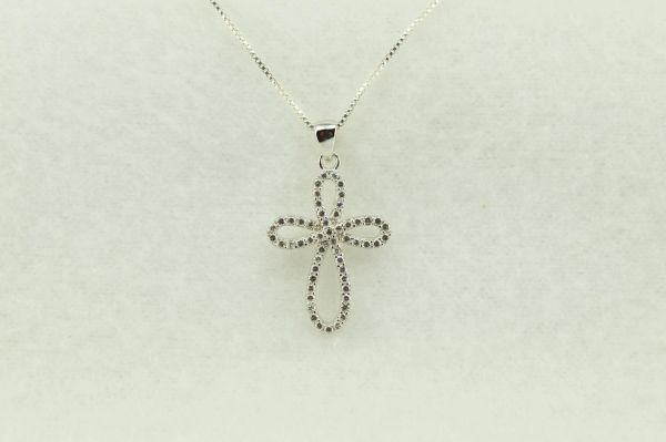 """Sterling silver loop cross cross pendant with sterling silver 18"""" box chain. N228"""