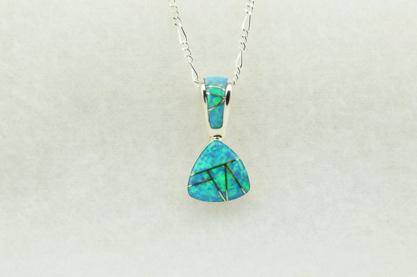 "Sterling silver blue opal inlay pick shaped pendant with sterling silver 18"" figaro chain. N234"
