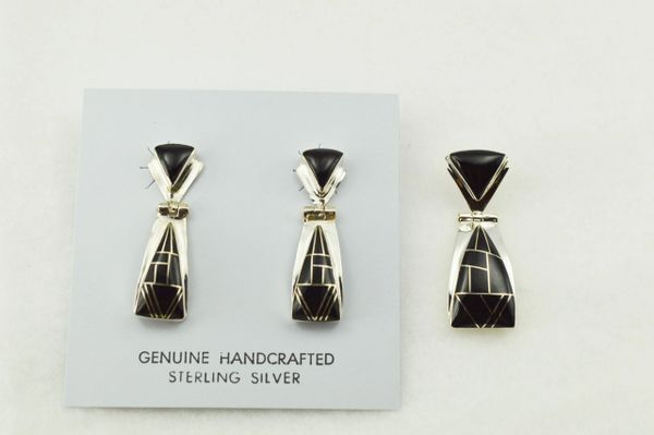 Sterling silver black onyx inlay triangle shaped earrings and pendant set. S270