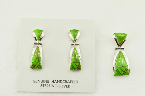 Sterling silver gaspeite inlay triangle shaped earrings and pendant set. S273