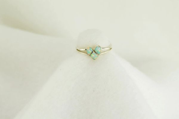 Sterling silver white opal inlay ring. R024
