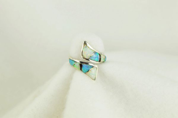 Sterling silver white opal, blue opal and black onyx inlay ring. R120