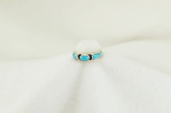 Sterling silver turquoise inlay ring. R180