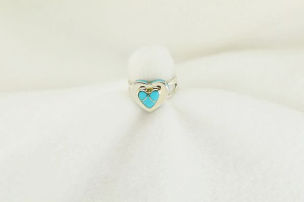 Sterling silver turquoise inlay ring. R185