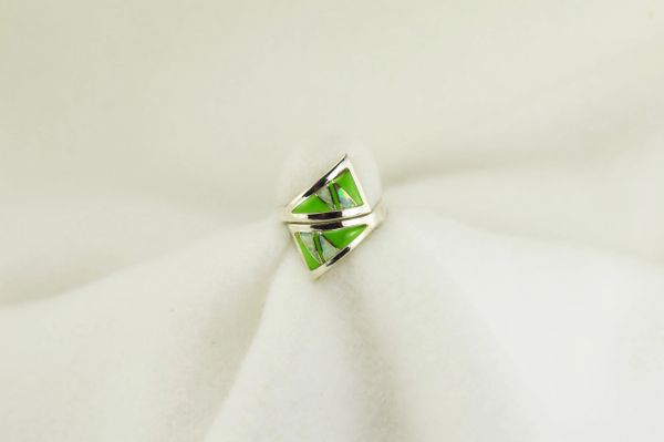 Sterling silver gaspeite and white opal inlay ring. R218
