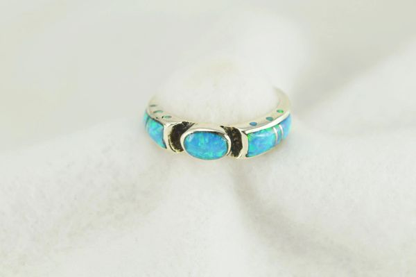 Sterling silver blue opal inlay ring. R226