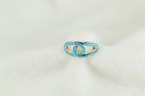Sterling silver blue opal inlay ring. R227