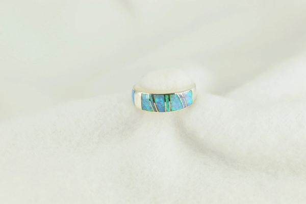 Sterling silver blue opal inlay ring. R228