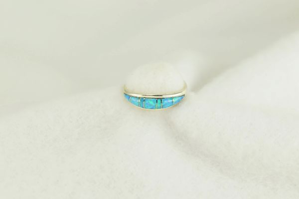 Sterling silver blue opal inlay ring. R236
