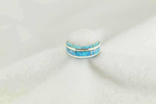 Sterling silver blue opal inlay ring. R239