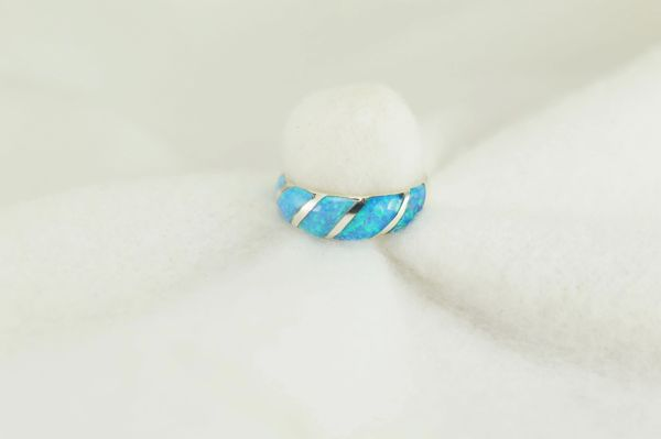 Sterling silver blue opal inlay ring. R241