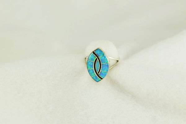 Sterling silver blue opal inlay ring. R242