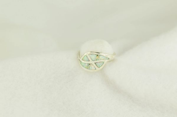 Sterling silver white opal inlay ring. R245