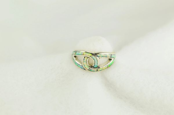 Sterling silver white opal inlay ring. R250