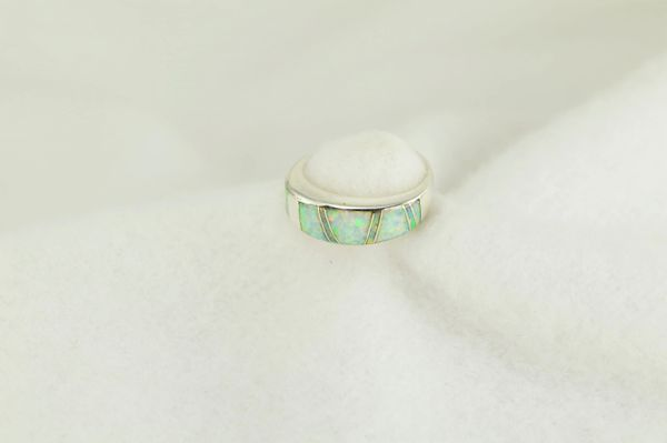 Sterling silver white opal inlay ring. R251