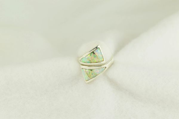 Sterling silver white opal inlay ring. R252