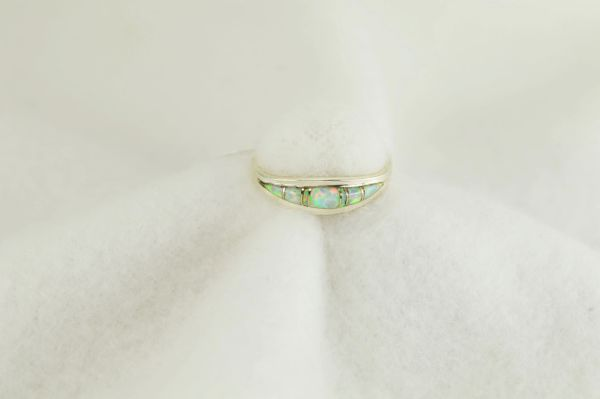 Sterling silver white opal inlay ring. R259