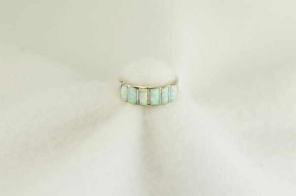 Sterling silver white opal inlay ring. R260