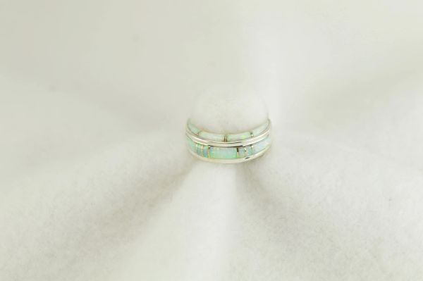 Sterling silver white opal inlay ring. R262