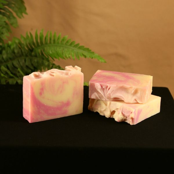 Raspberry Beret (Black Raspberry Vanilla) Handmade Soap