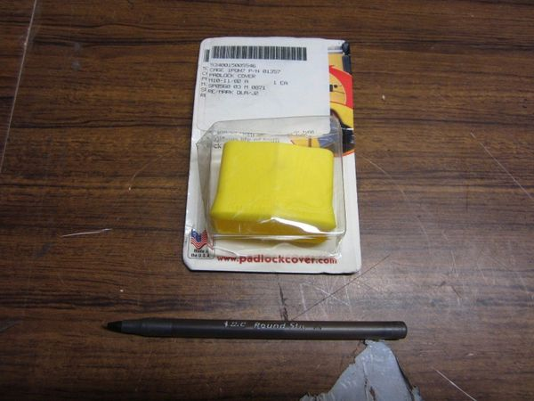 12 PADLOCK COVERS 01357 YELLOW NEW