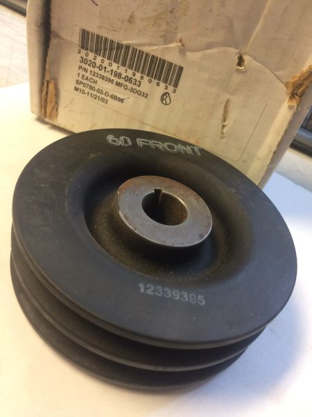 M998A1 GENERATOR 60 AMP PULLEY, 12339395, 3020-01-198-0633 NOS
