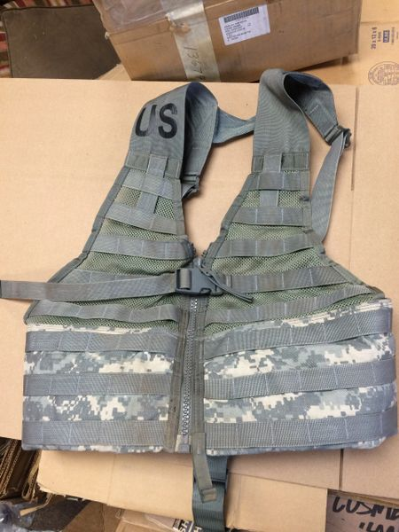 US MILITARY MOLLE ACU CAMO FIGHTING LOAD CARRIER CO/PD-02-02, 8465-01-525-0577 NOS