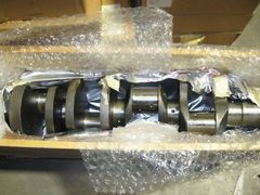 CUMMINS CRANKSHAFT 158370 161960 NOS