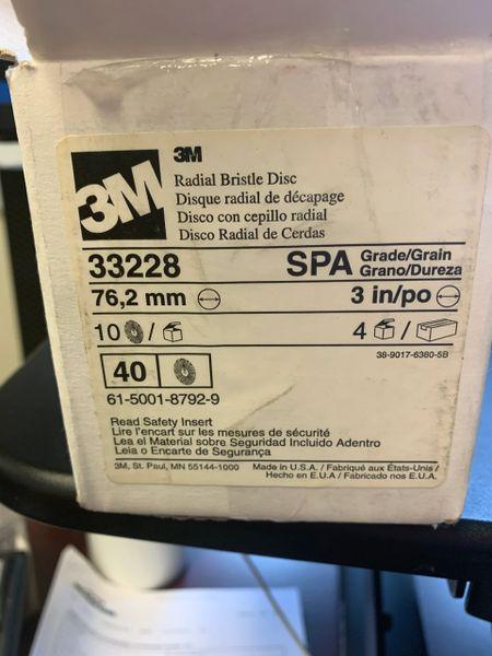 1 CASE OF 40 3M RADIAL BRISTLE DISC 33228 NOS