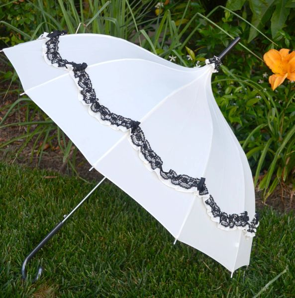 12 Panels Umbrella - Cream Pagoda Canopy - Black Lace Trim With Bows - Waterproof