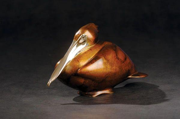 BA38 Nesting Pelican Medium