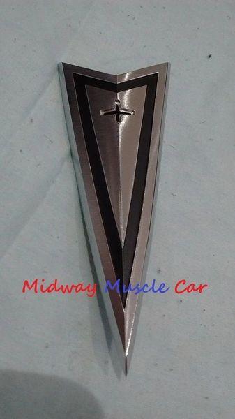 1965 65 Pontiac GTO Lemans Tempest hood ornament emblem
