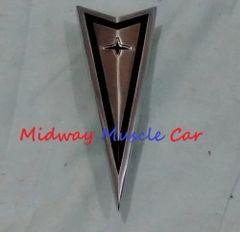 1968 68 Pontiac GTO front bumper nose ornament emblem