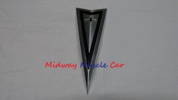 1966 1966 66 67 Pontiac GTO Lemans Tempest hood ornament emblem