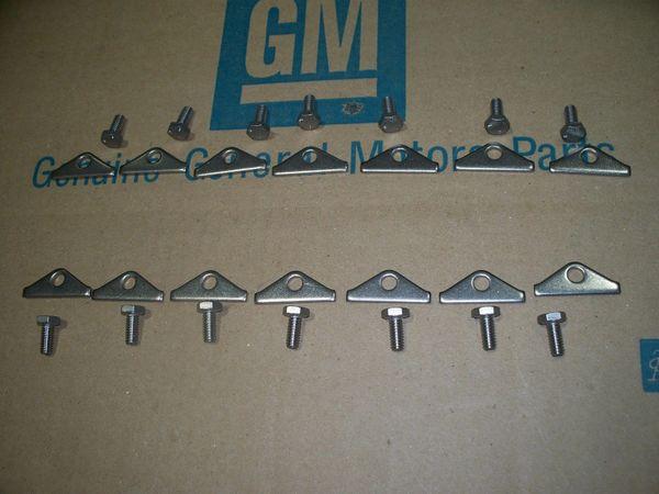 NOS big block valve cover hold downs 65-74 Chevy Chevelle Camaro Nova 396 454 69