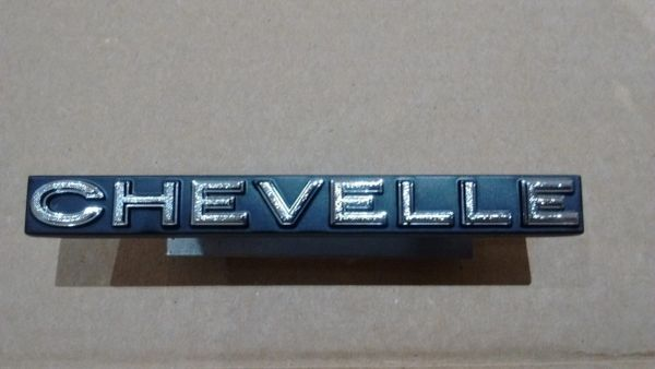 CHEVELLE front grill emblem 1972 Chevy Chevelle