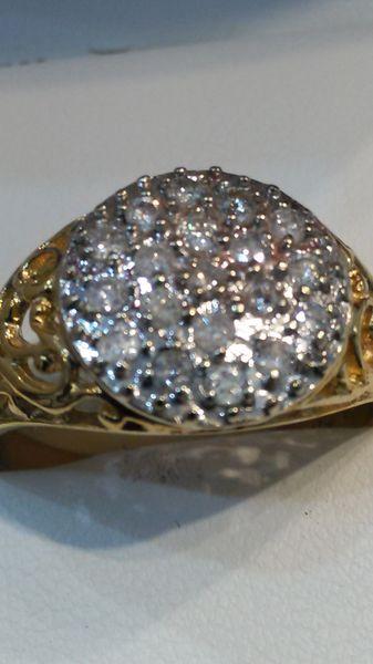 10 K yellow Gold real diamonds ring