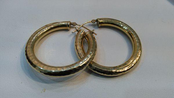 Women/ lady Hoop earrings 10 K yellow Gold solid